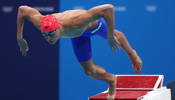 Пловец Бухов не вышел в финал Олимпиады на дистанции 50 м вольным стилем