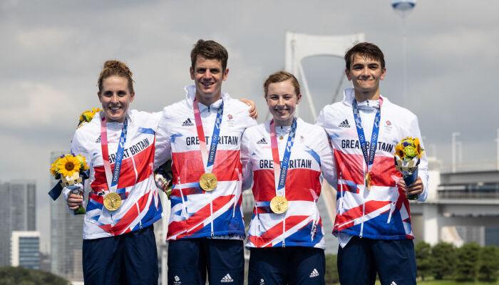 Великобританія виграла першу в історії Олімпійських ігор змішану естафету в тріатлоні