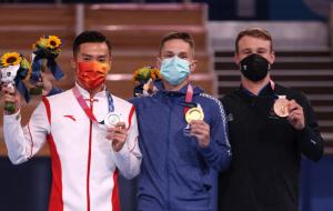 Литвинович выиграл золото Олимпиады-2020 в прыжках на батуте