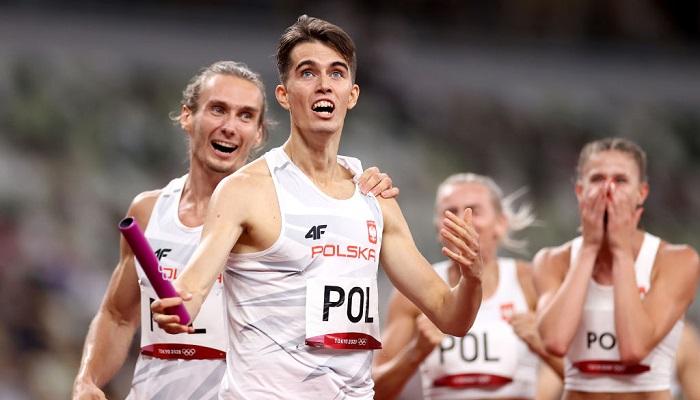 Польша выиграла золото Олимпиады в смешанной эстафете на 400 метров