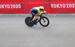 Роглич уверенно выиграл мужскую велоразделку на Олимпиаде