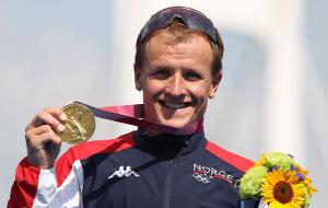 Блумменфельт переміг у чоловічому тріатлоні і приніс Норвегії перше золото Олімпіади