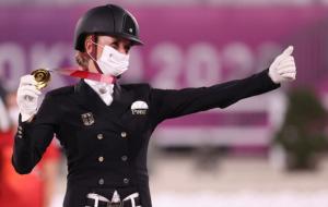 Німкеня Бредов-Верндль виграла золото Олімпіади в кінному спорті в виїздці