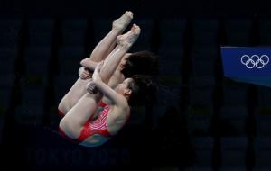 Китаянки виграли золото Олімпіади в жіночих стрибках у воду з 10 метрів