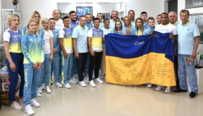 Зеленський зустрівся зі спортсменами, які представлятимуть Україну на Олімпіаді в Токіо
