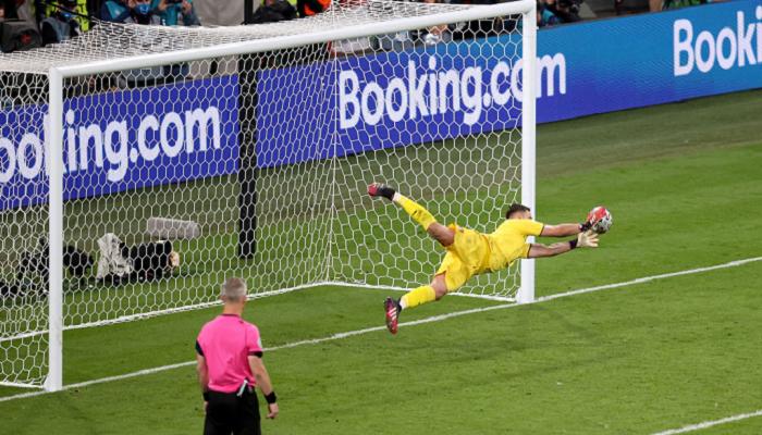 Доннарумма выиграл все пять серий пенальти в своей карьере