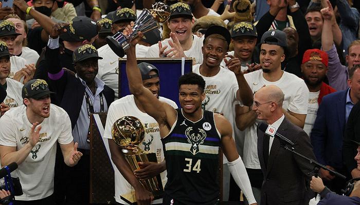Милуоки Бакс обыграли Финикс в шестом матче и стали чемпионами НБА 2020/21