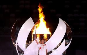 Осака стала першою тенісисткою, що запалила Олімпійський вогонь