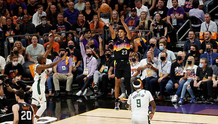 Фінікс обіграв Мілуокі в стартовому матчі фінальної серії НБА