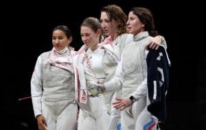 Жіноча збірна ОКР виграла золото в командних змаганнях з фехтування на рапірах