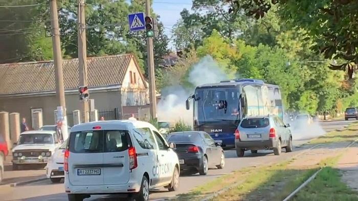 Фанати Чорноморця атакували клубний автобус перед матчем з Олександрією (відео)