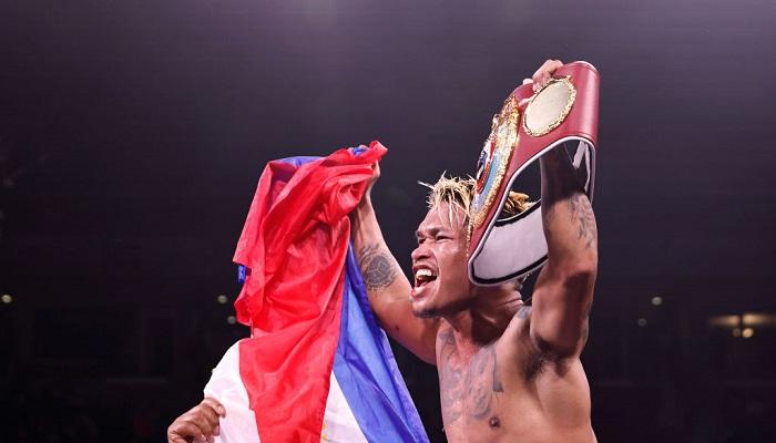 Касимеро победил Ригондо и сохранил титул WBO в легчайшем весе