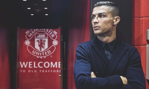 Роналду покинув розташування збірної Португалії і приєднається до Манчестер Юнайтед