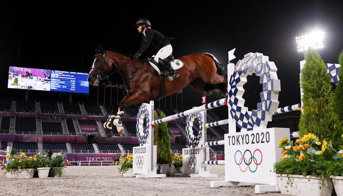 Немка Краевски выиграла олимпийское золото в индивидуальном конкуре