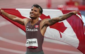 Де Грасс стал олимпийским чемпионом в беге на 200 метров