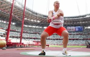 Влодарчик стала триразовою Олімпійською чемпіонкою в метанні молота
