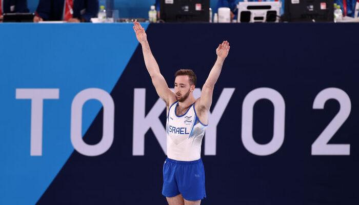 Долгопят стал Олимпийским чемпионом в вольных упражнениях