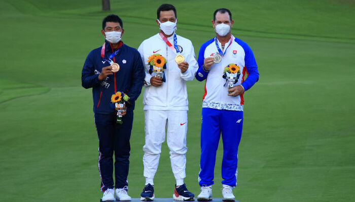 Американец Шоффель выиграл золото Олимпийского турнира по гольфу