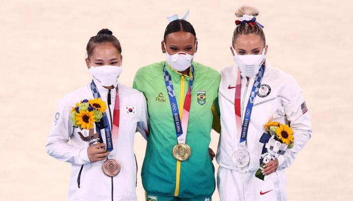 Бразильянка Андраде выиграла золото Олимпиады в опорном прыжке