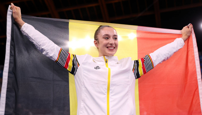 Бельгийка Дерваль выиграла золото Олимпиады в упражнениях на разновысоких брусьях