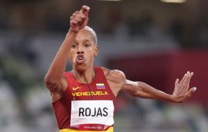 Рохас зі світовим рекордом виграла золото Олімпіади в потрійному стрибку. Вона перевершила досягнення українки Кравець