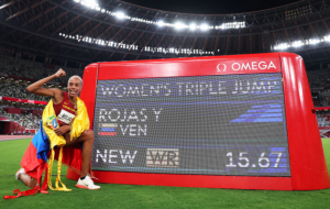 Рохас с мировым рекордом выиграла золото Олимпиады в тройном прыжке. Она превзошла достижение украинки Кравец
