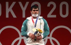 Джураев выиграл золото Олимпиады в тяжелой атлетике в категории до 109 кг