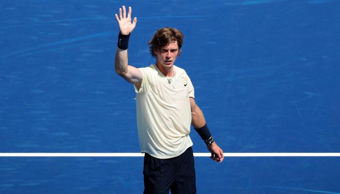 Рублев победил Медведева в полуфинале Мастерса в Цинциннати