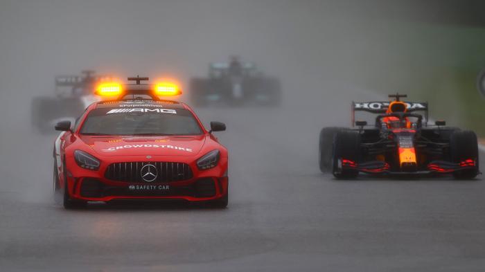Ферстаппен став переможцем Гран-прі Бельгії. Гонка почалася з запізненням, але була зупинена через сильний дощ