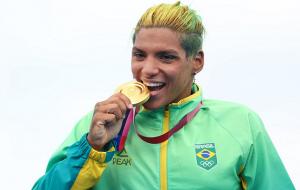Кунья из Бразилии выиграла золото Олимпиады в плавании на открытой воде на 10 км