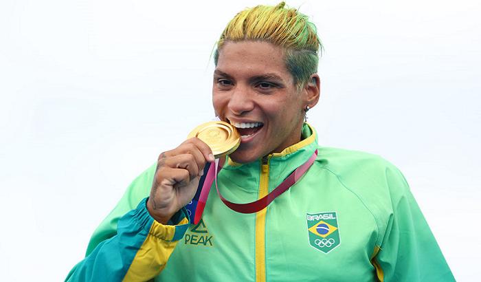 Кунья з Бразилії виграла золото Олімпіади у плаванні на відкритій воді на 10 км