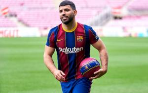 ПСЖ хочет совершить обмен Икарди на Агуэро. Барселона против сделки