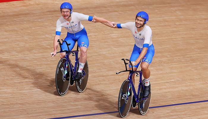 Италия с мировым рекордом выиграла золото Олимпиады по велотреку в командной гонке преследования