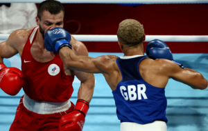 Росіянин Хатаєв і ірландець Уолш стали бронзовими призерами Олімпіади в боксі