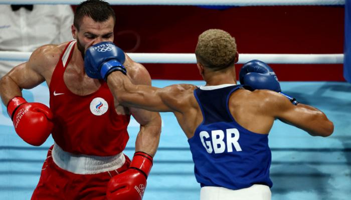 Россиянин Хатаев и ирландец Уолш стали бронзовыми призерами Олимпиады в боксе