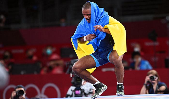 Беленюк запропонував виставити на аукціон золоту медаль Олімпіади-2020