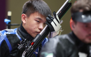 Куліш припустився помилки і став восьмим у стрільбі з гвинтівки з трьох положень, чемпіон – китаєць Чжан