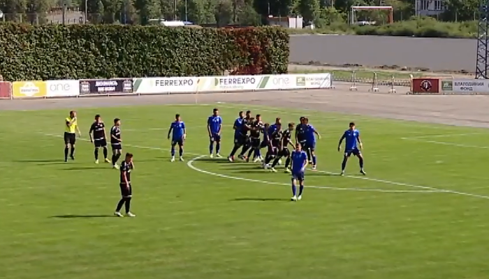 Арбитр не назначил пенальти в ворота Подолья за игру рукой Липовуза (видео)