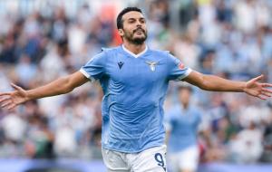 Педро — третий игрок, который забил за обе команды в римском дерби в Серии A