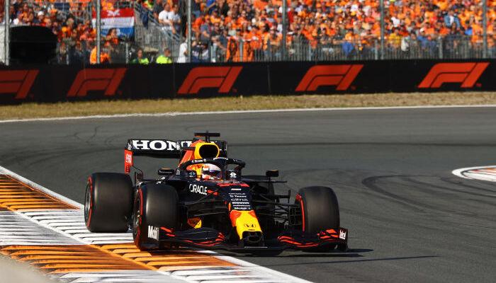Ферстаппен выиграл домашний Гран-при Нидерландов, Хэмилтон — второй