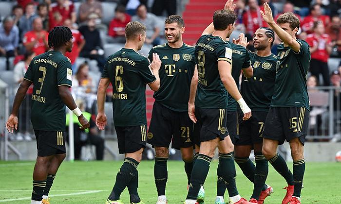 Бавария забила семь голов и разгромила Бохум