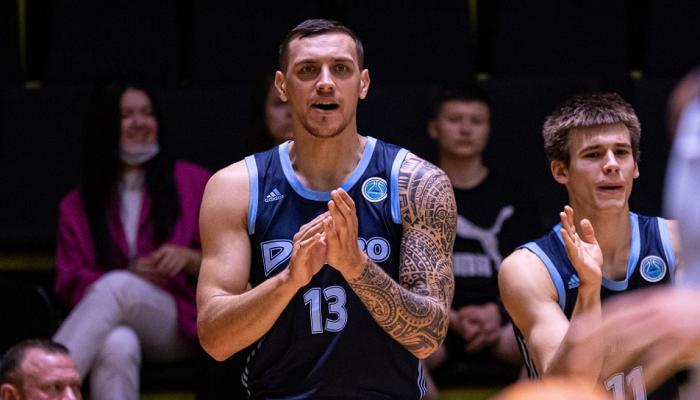 Днепр в напряженном матче победил Киев-Баскет, Будивельник справился с Тернополем на предсезонном турнире