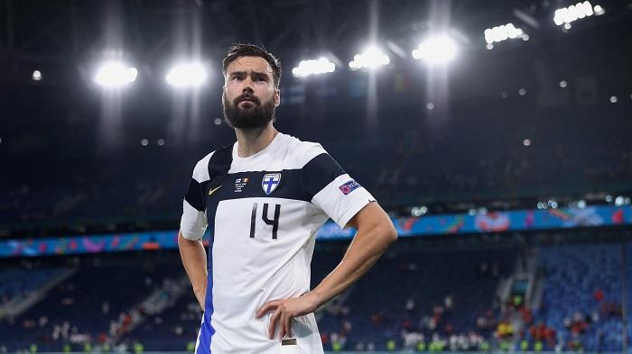 Капитан сборной Финляндии созвал войну на ФИФА и Катар: поднял тему про гибель рабочих мигрантов