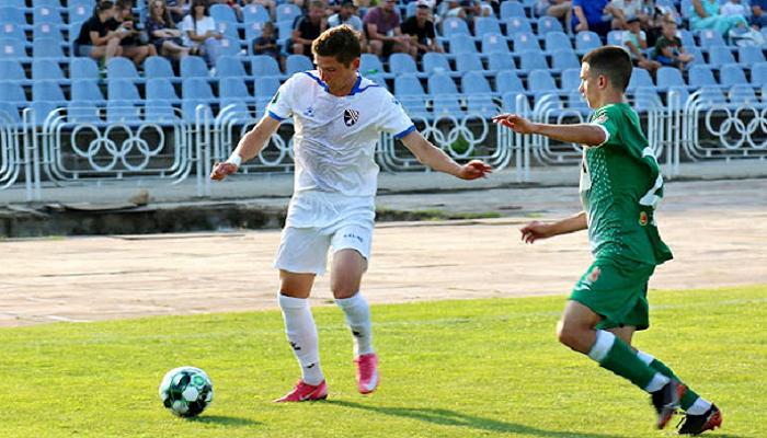 Таврія розпрощалася з воротарем Поповичем та хавбеком Вакуленком
