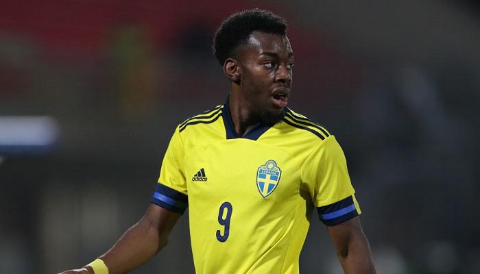 УЕФА расследует расистские оскорбления игрока молодежной сборной Швеции в игре с Италией
