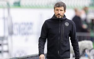 Вольфсбург оголосив про відставку ван Боммеля