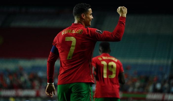 Роналду обновил мировой рекорд по числу голов за сборную. На его счету уже 115 мячей