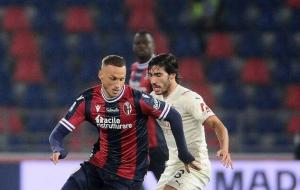 Милан вырвал победу над Болоньей, которая доигрывала встречу вдевятером