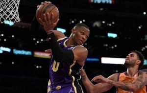 НБА: Лейкерс програли Фініксу, перемоги Юти, Брукліна та Денвера