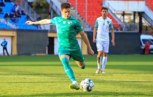 Ужгород в матчі з трьома пенальті і вилученням сенсаційно обіграв Альянс
